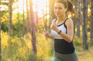 5 trucuri simple si eficiente care te scapa de kilogramele nedorite