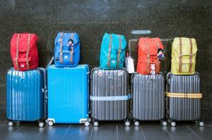 4 trucuri pentru a pregati bagajul de calatorie