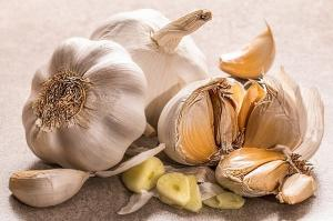 De ce este bine sa mancam usturoi