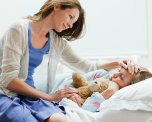 Cum sa nu te imbolnavesti si tu atunci cand copiii sunt bolnavi