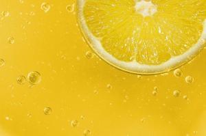 Sucul de lamaie- beneficii pentru sanatate