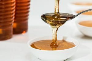 TOP tratamente naturiste cu miere de albine