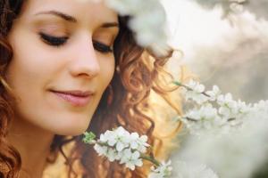 Solutii naturale pentru ameliorarea rozaceei