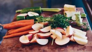 Alimente pe care trebuie sa le ai in casa daca mananci raw vegan