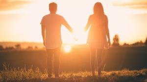 Cum sa intretii o relatie la distanta