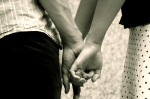10 semne de dragoste adevarata de la un barbat