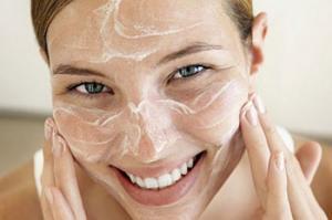 14 intrebuintari neasteptate ale bicarbonatului de sodiu pentru frumusete si sanatate