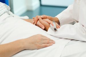 20.000 de romani se trateaza anual la clinici medicale din strainatate