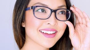 Reguli de machiaj pentru femeile cu ochelari