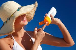 Greseli frecvente in utilizarea lotiunilor de protectie solara