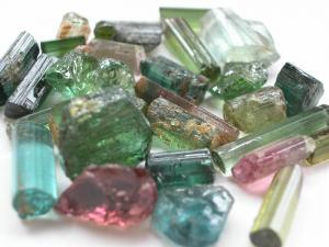 Turmalina, mineralul care imbunatateste circulatia sangvina