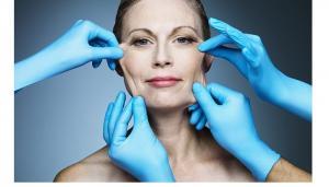 La ce riscuri te expui atunci cand faci o operatie estetica?