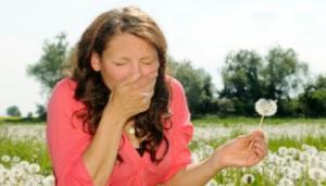 Remedii naturiste pentru alergiile de sezon