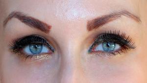 Machiajul ideal pentru ochii albastri