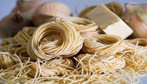 Zece alimente ce pot fi consumate in siguranta chiar daca au depasit termenul de valabilitate