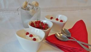 Zece beneficii pentru sanatate ale consumului de iaurt