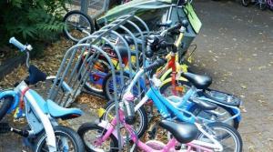 Ce trebuie sa faci pentru sanatatea copilului tau. Invata-l sa mearga cu bicicleta!