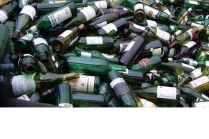 In fiecare an se produc cca 41 de miliarde de sticle si borcane