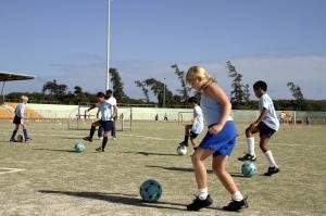 De ce este important sa iti incurajezi copilul sa faca sport?