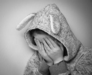 4 Atitudini pe care le manifesta persoanele cu depresie ascunsa